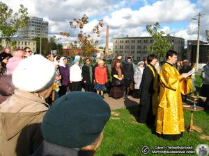 Освящение креста на Фарфоровском кладбище. Фото И.В. Попова, 7.Х.2012 года.