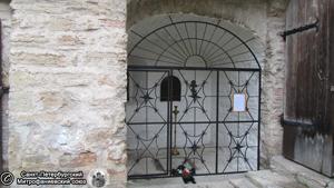 Ниша церкви. Фото Е.В. Лаврентьевой, 25.VII.2012 года.